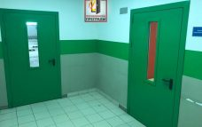 двери в офисный центр