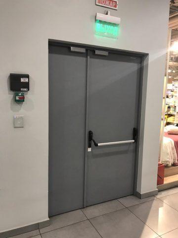 Огнеупорные двери с системой контроля доступа