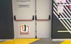 Двупольная дверь с антипаникой